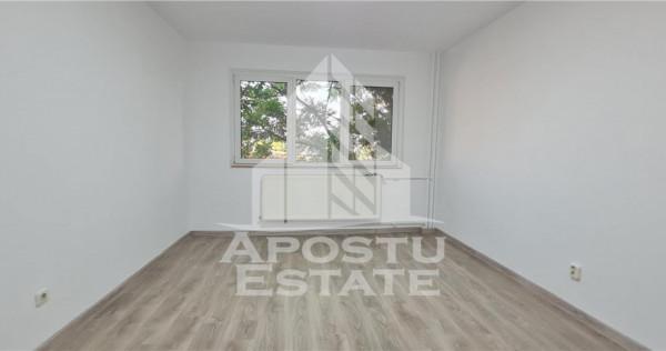 Apartament cu o camera si balcon, etaj intermediar, zona Com