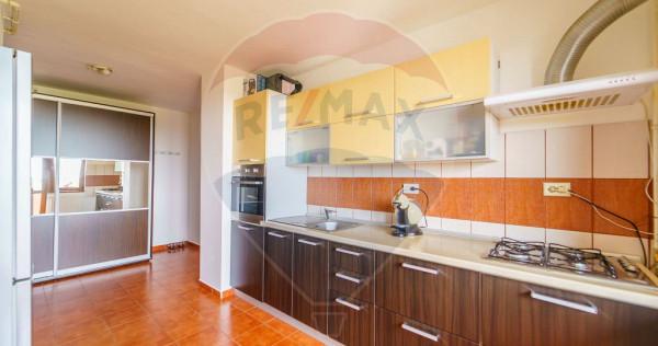 Apartament 2 camere de vanzare, zona Micalaca