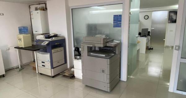 Spatiu Comercial/ Birou/Clinica Demisol Inalt/Central