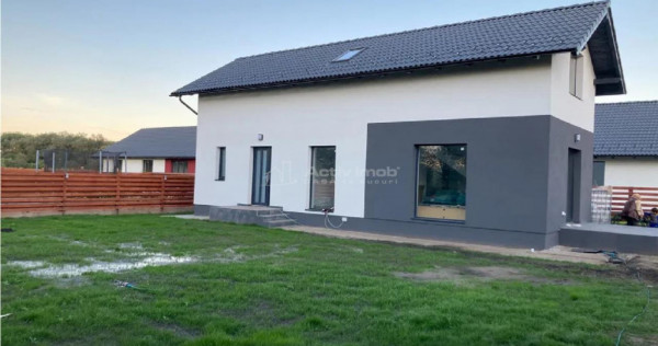 Casa/Vila - 4 camere, curte 500 mp - Stupini Brasov