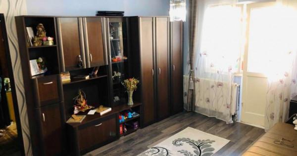 Zona Astra: Ap. 3 camere, etaj intermediar