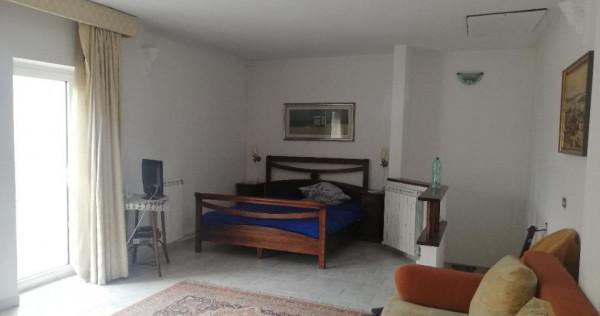 Centru - Spitalul Judetean - Camera mobilata, balcon , baie