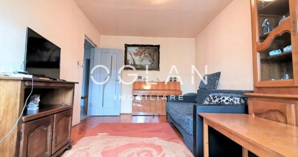 Apartament 4 camere, decomandat, Etaj 2, zona Sub Arini
